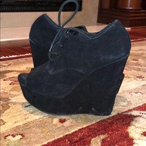 Shoes - STEVE MADDEN BLACK WEDGES